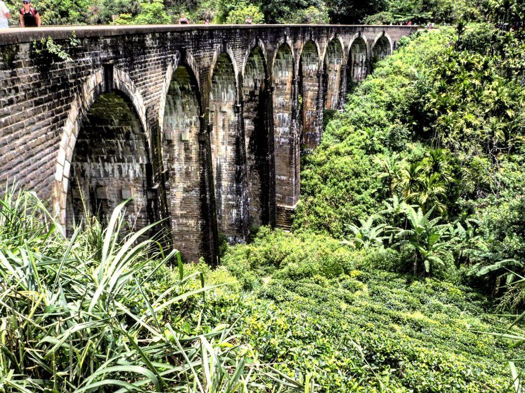 How to travel on Sri Lanka's most beautiful railway-9 arches bridge in ella