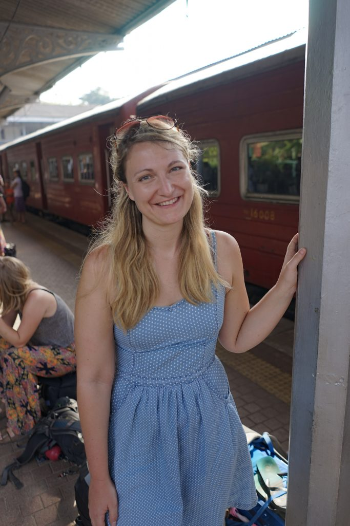 How to travel on Sri Lanka's most beautiful railway-hanging out at the station