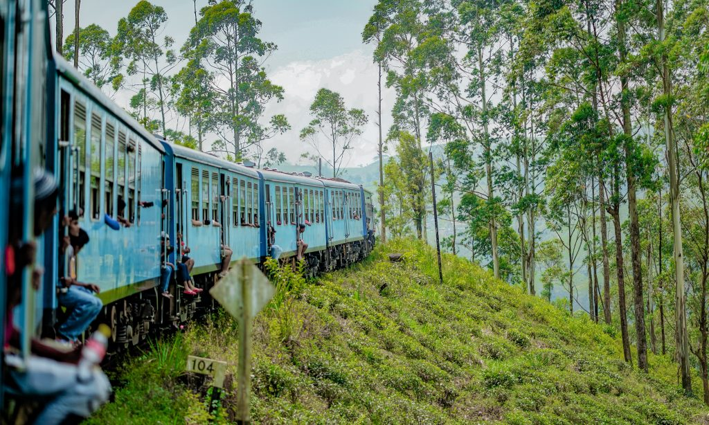 How to travel on Sri Lanka's most beautiful railway-the train snaking through hill country