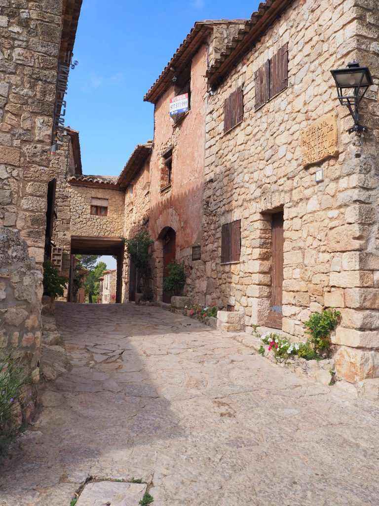 siurana's cobble stone streets and stone buildings