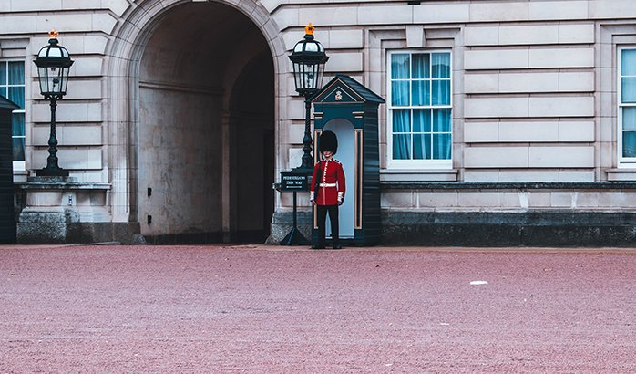 Buckingham palace in london, the perfect place to visit for 2 days in london