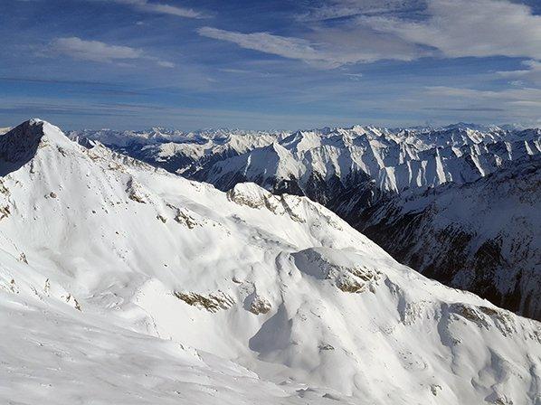 Mountain views in the snow in Mayrhofen ski resort