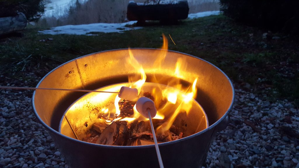 TOASTING MARSHMALLOWS ON CHRISTMAS DAY