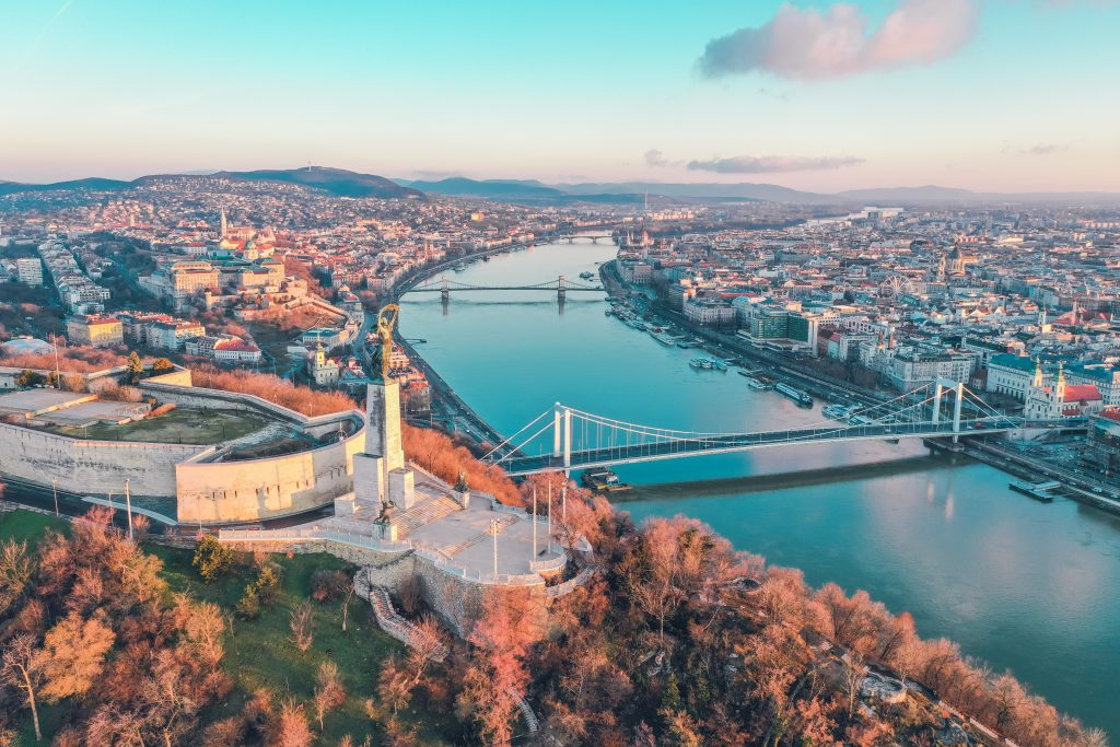 AN AERIAL VIEW OF THE MOST ROMANTIC THINGS TO DO IN BUDAPEST