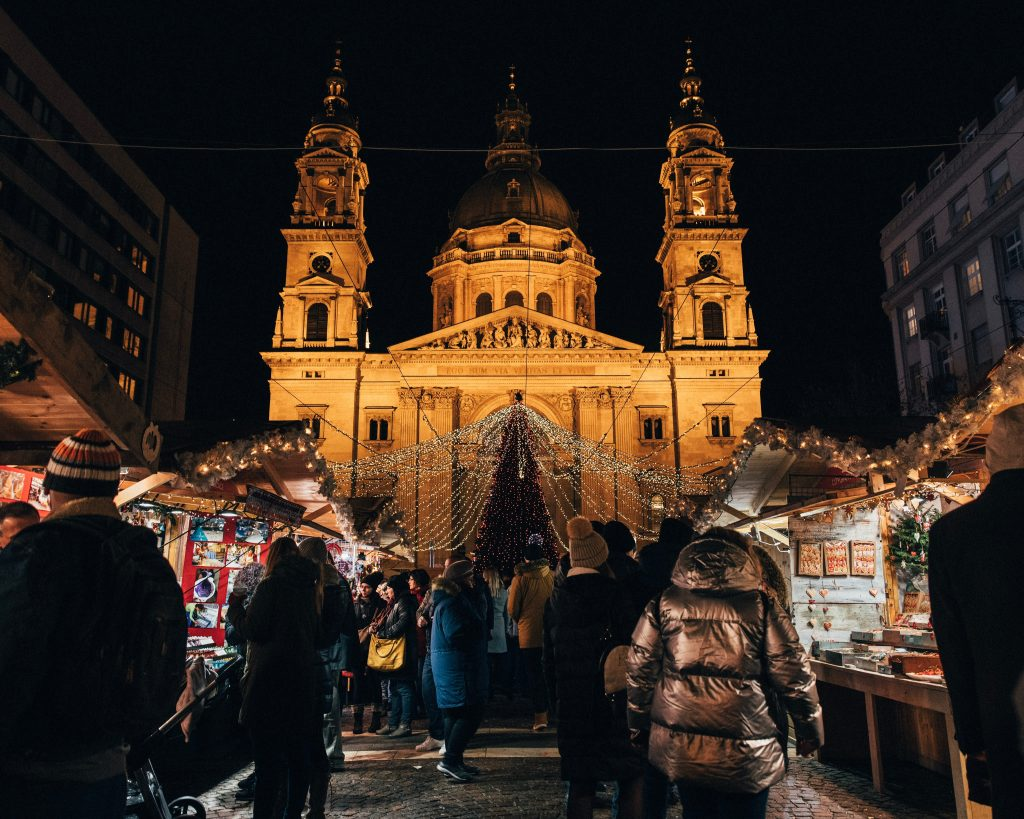 CHRISTMAS MARKET STALLS IN THE TOWN SQUARE OF BUDAPEST IN HUNGARY