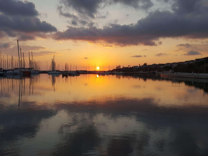 a photo of the marina at sunset taken on the best camera for blogging