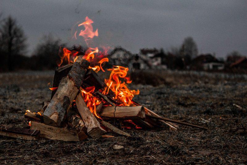 a winter outdoor campfire!