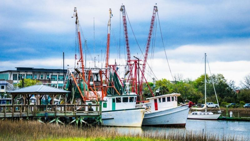 One of the best things to do in Charleston is visit shem creek