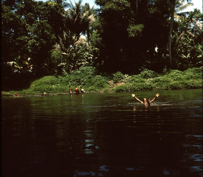 swimming in papau new guinea